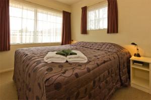 806-bedroom