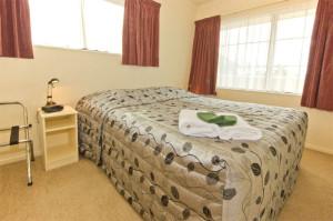 807-bedroom