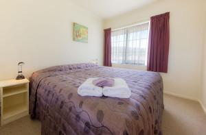 811-bedroom