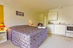804-bedroom
