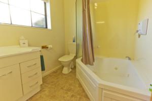 809-bathroom