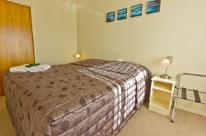 809-bedroom