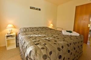 810-bedroom